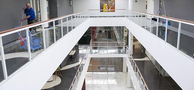 Interior del centro Zelaieta