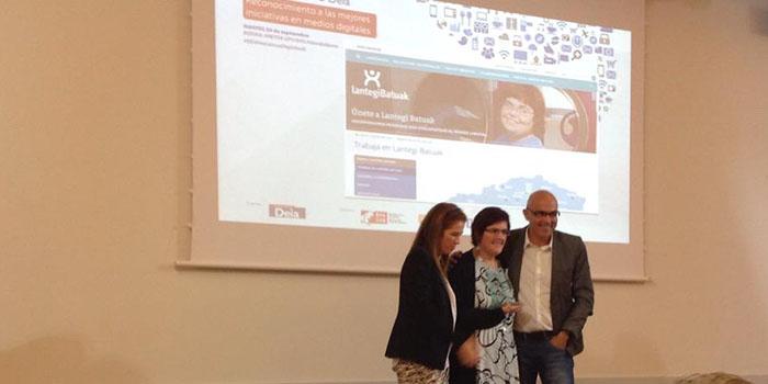 Premio mejor web empresarial social Deia